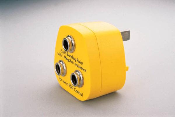 Earth Plug with three 10mm male press studs