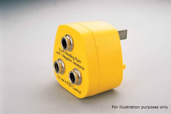 Earth Plug with two 10mm press studs and one 4mm banana plug