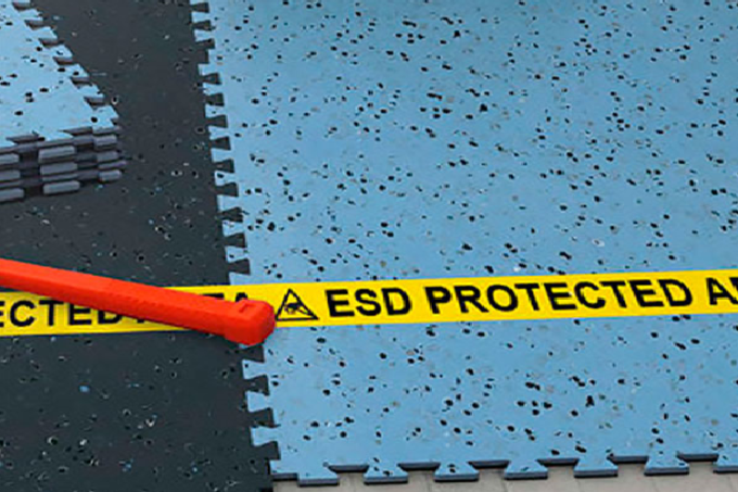 Dissipative Interlocking ESD Floor Tiles
