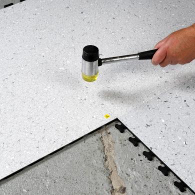 NeoStat® VXI ESD Vinyl Interlocking ESD Tiles